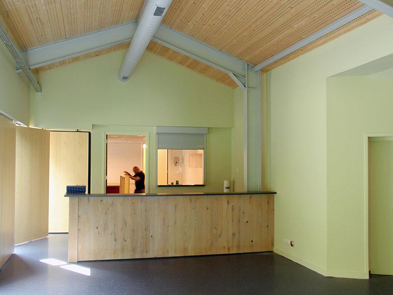 Bar en keuken van nieuwbouw en verbouw van sportfaciliteit Clubgebouw in Bergen