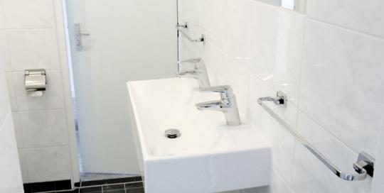Interne verbouwing van de slaapkamers en badkamers van gebouw Gruno te Den Helder