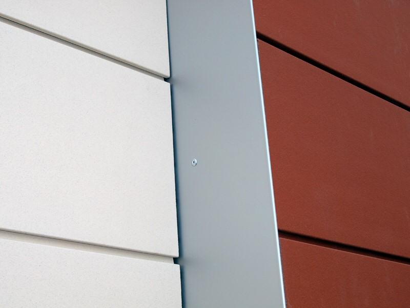 Gevel detail van renovatie en verbouw gebouw Flevo