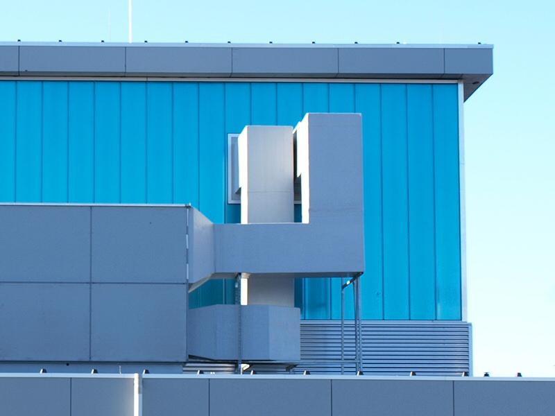 Luchtbehandeling installatie verbouw en ophogen van het dak van de Hangaar op MVK de Kooy
