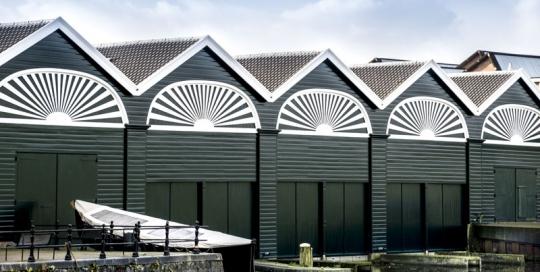 Groot onderhoud en restauratie van het monumentale pand de Sloepenloods in Den Helder