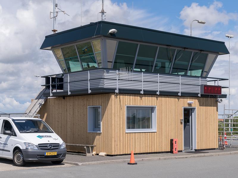 Gevelrenovatie van de verkeerstoren van de TESO veerhaven op Texel.