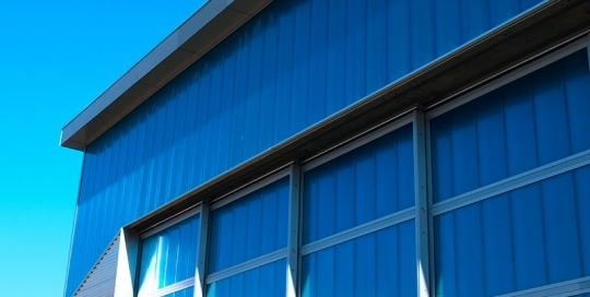 Gevel verbouw en ophogen van het dak van de Hangaar op MVK de Kooy