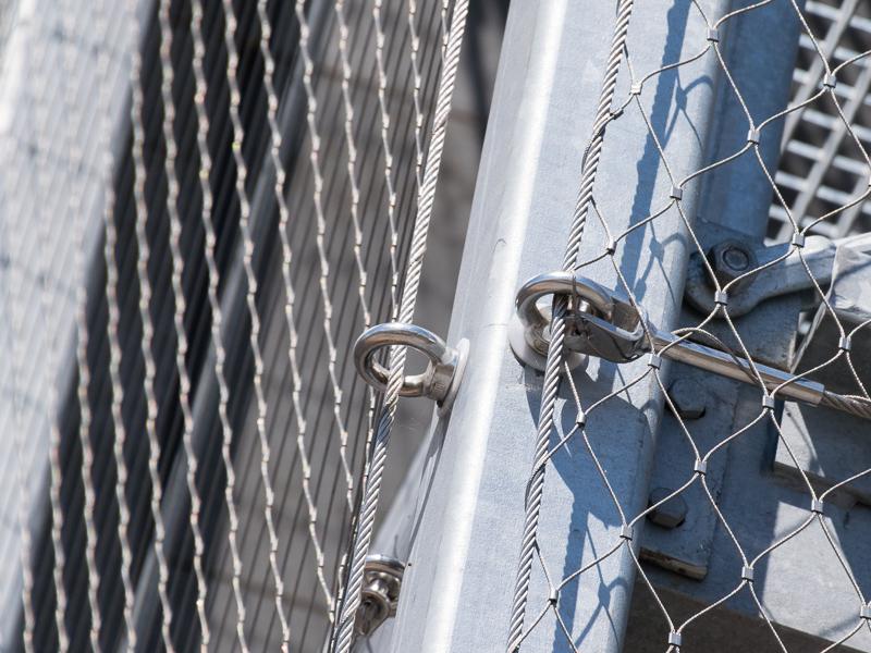 Detail gaaswand op de noodtrap van Nieuwbouw gebouw NBCD Trainingscentrum